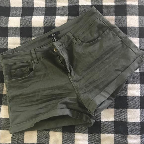 H&M Pants - H&M army green shorts